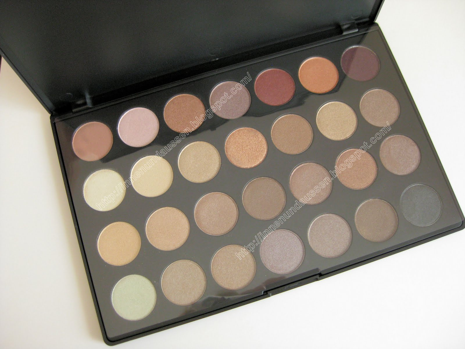Zoeva Nude Spectrum Palette - Swatches and Review