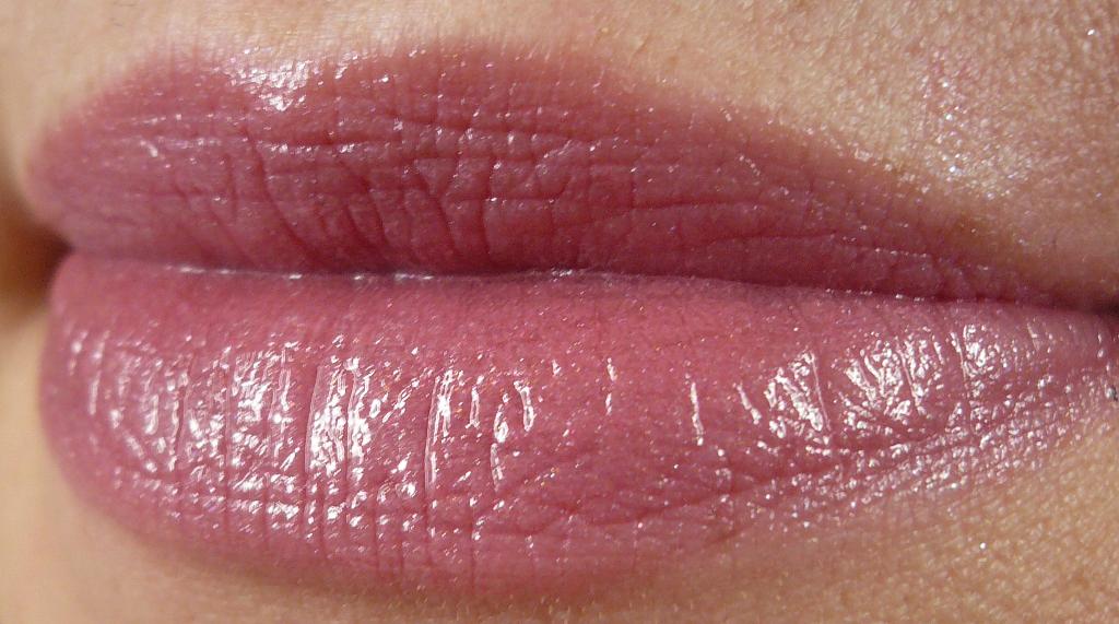 Neu Bei Chanel Rouge Coco Shine Lippenstifte Innenaussen