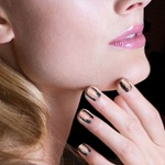 nail_French Nudes_Black Swan