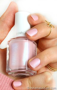 essie-just-stitched-3