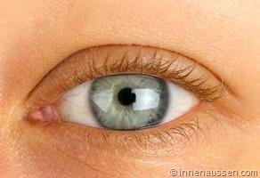 Benefit-Roller-Lash-Mascara-Auge-3