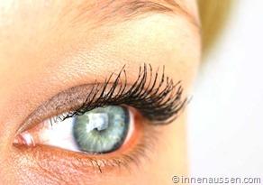 Benefit-Roller-Lash-Mascara-Innen-Aussen-Auge-2