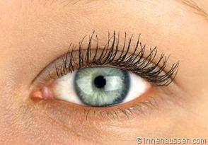 Benefit-Roller-Lash-Mascara-Innen-Aussen-Auge
