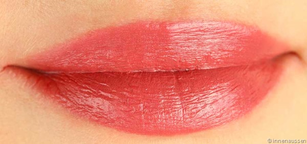 Estee-Lauder-Pure-Color-Lippenstift-Blushing-Swatch-