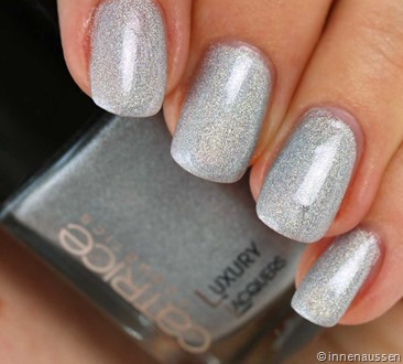 Catrice-Luxury-Lacquer-Liquid-Metal-09-Never-No-to-Holo-Swatch