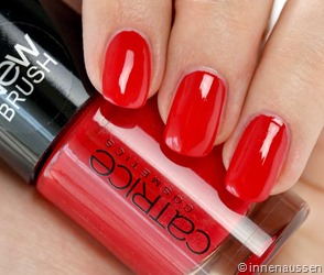 Catrice-Nagellack-91-It's-all-about-that-red-Swatch