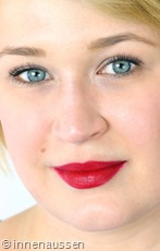 Clinique-Color-Pop-Lippenstift-08-Cherry-Pop-Tragebild