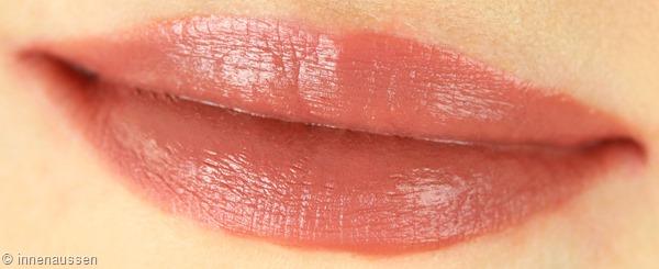 Estee-Lauder-Pure-Color-Envy-Liquid-Lip-Potion-120-Extreme-Nude-Innen-Aussen-Lippen