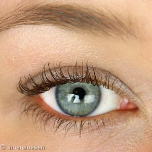 Benefit Tinted Eye Primer Nachher Innen Aussen
