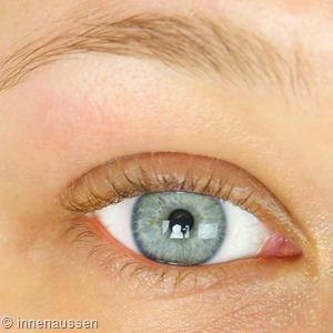 Benefit Tinted Eye Primer Vorher Innen Aussen 1