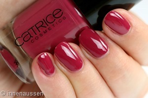 Catrice 108 The very berry best Swatch Innen Aussen