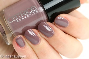 Catrice 117 Mauve to the beat Swatch Innen Aussen