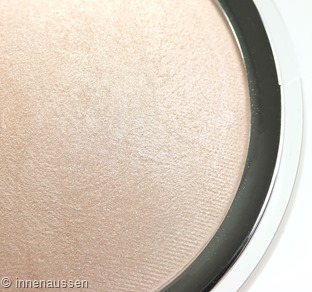 Catrice High Glow Mineral Highlighter Detail Innen Aussen