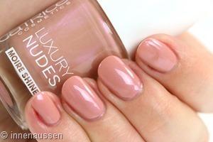 Catrice Luxury Nudes 11 Hidden Forbidden Rose Swatch Innen Aussen