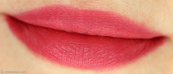 Loreal Indefectible Matte Puderlippenstift 004 Oops I pink it again Innen Aussen