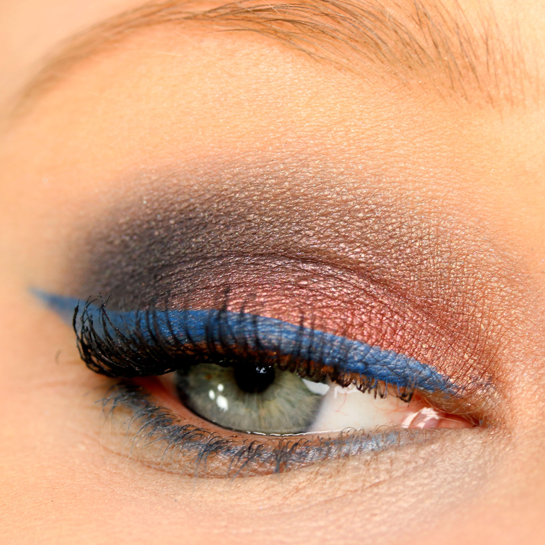 AMU Pastel Eyeliner Blue