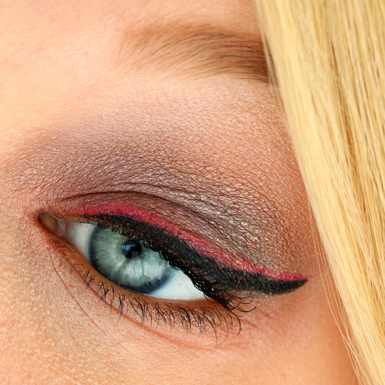 AMU Pink Eyeliner