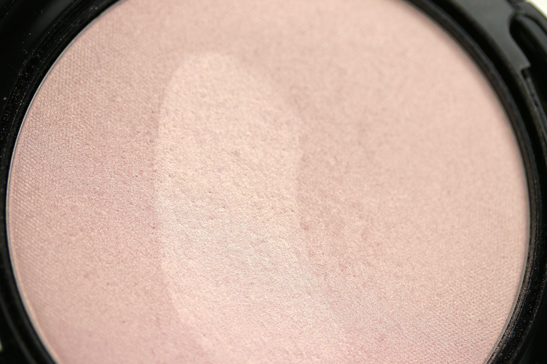 Artdeco Strobing Powder Detail