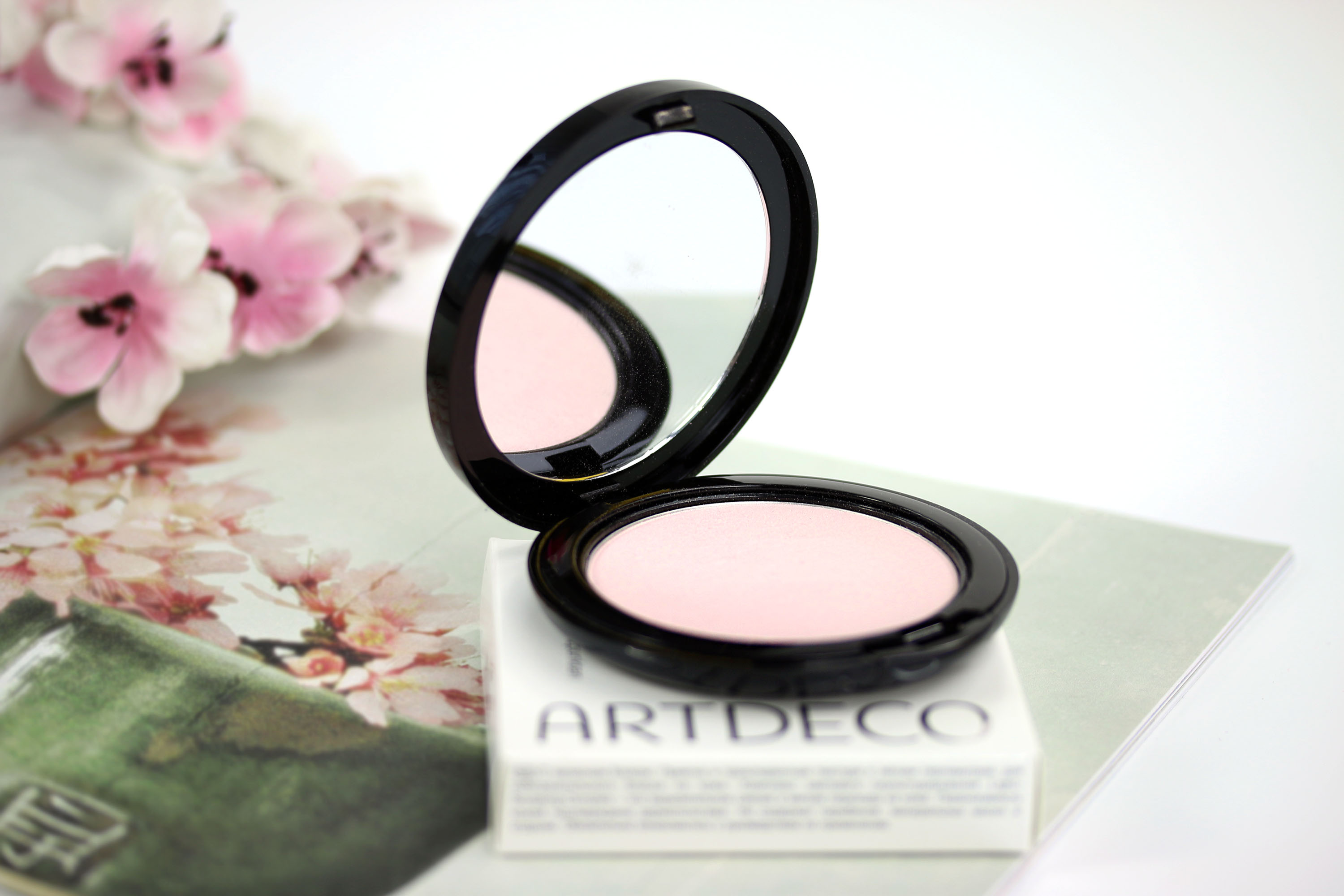 Artdeco Strobing Powder Highlighter