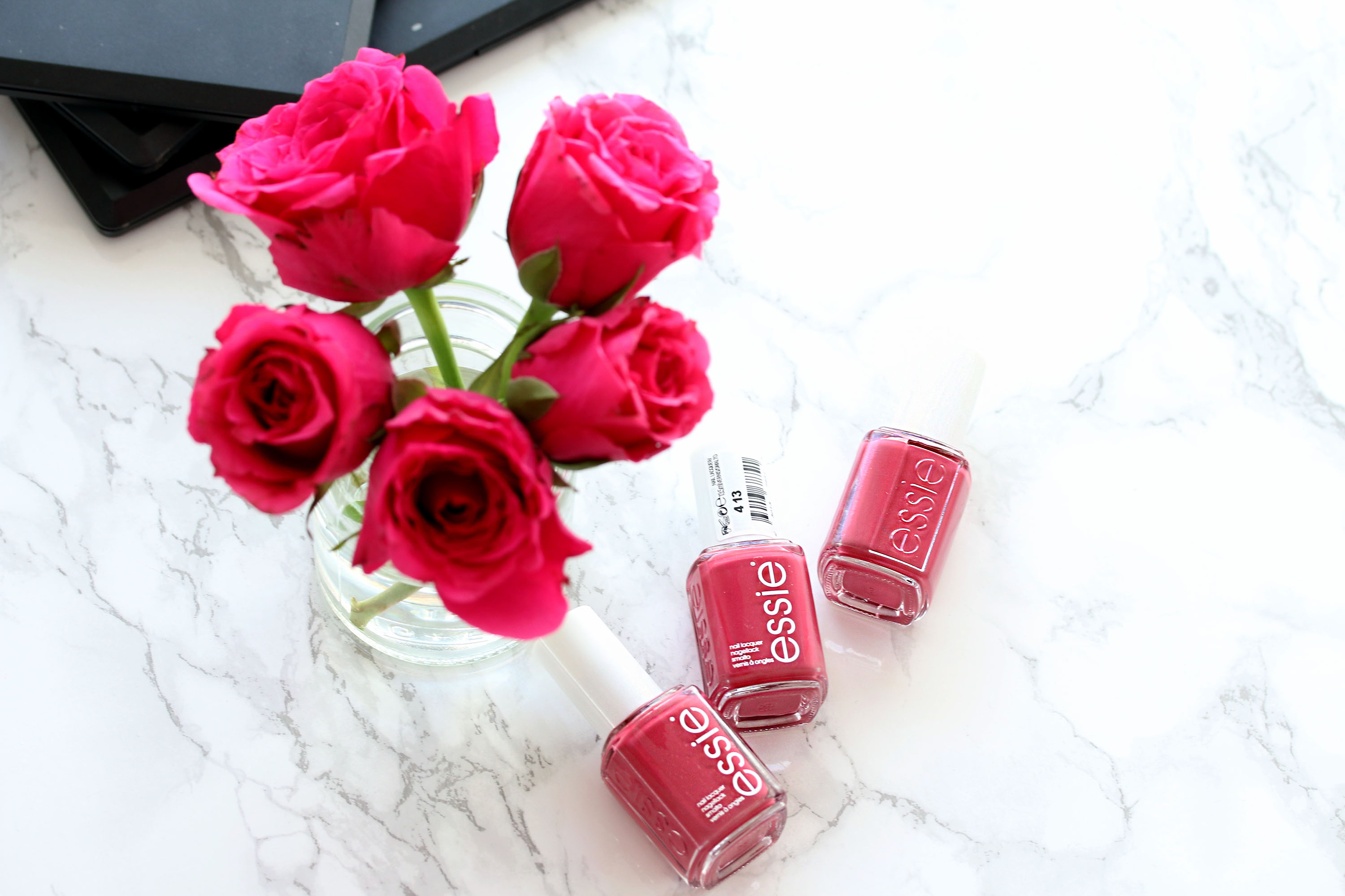 Nagellack essie mrs always right