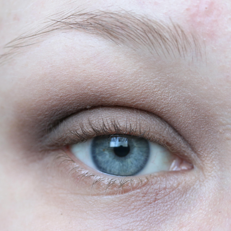 Tutorial Brown Eyeshadow 8