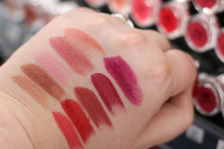 dm trend It Up Swatches High Shine Lipstick InnenAussen
