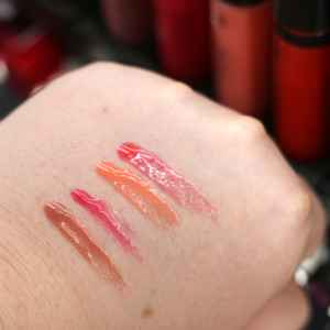 dm trend It Up Swatches Oil Infusion Lip Gloss InnenAussen