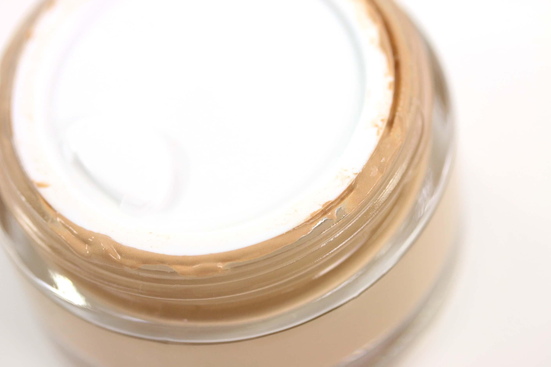 manhattan-fresher-skin-foundation-verpackung