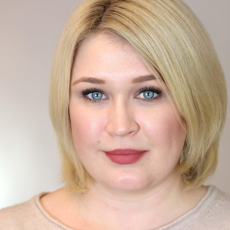 Zoeva Pure Velours Liquid Matte Lipstick Innenaussen