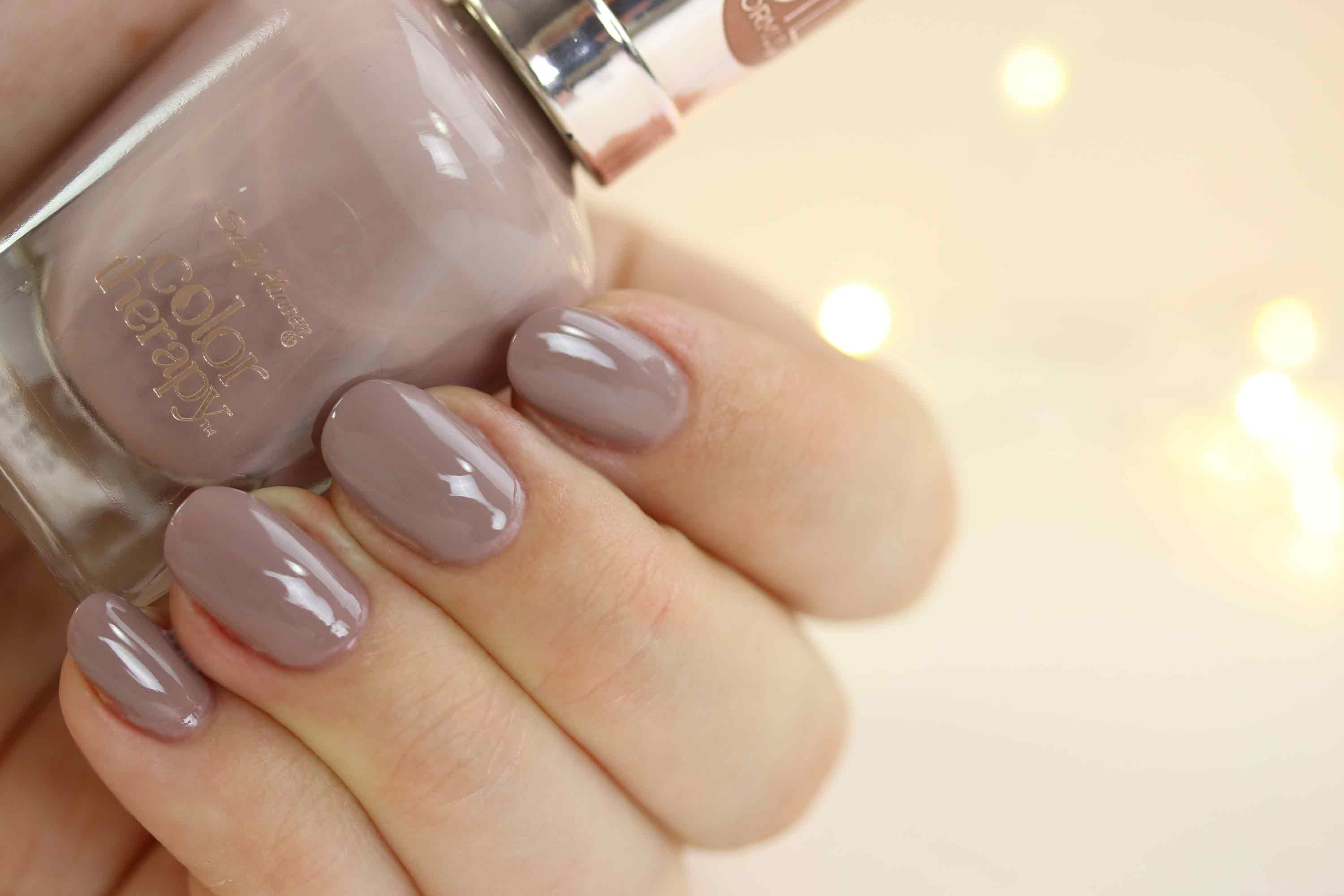 sally-hansen-color-therapy-150-steely-serene