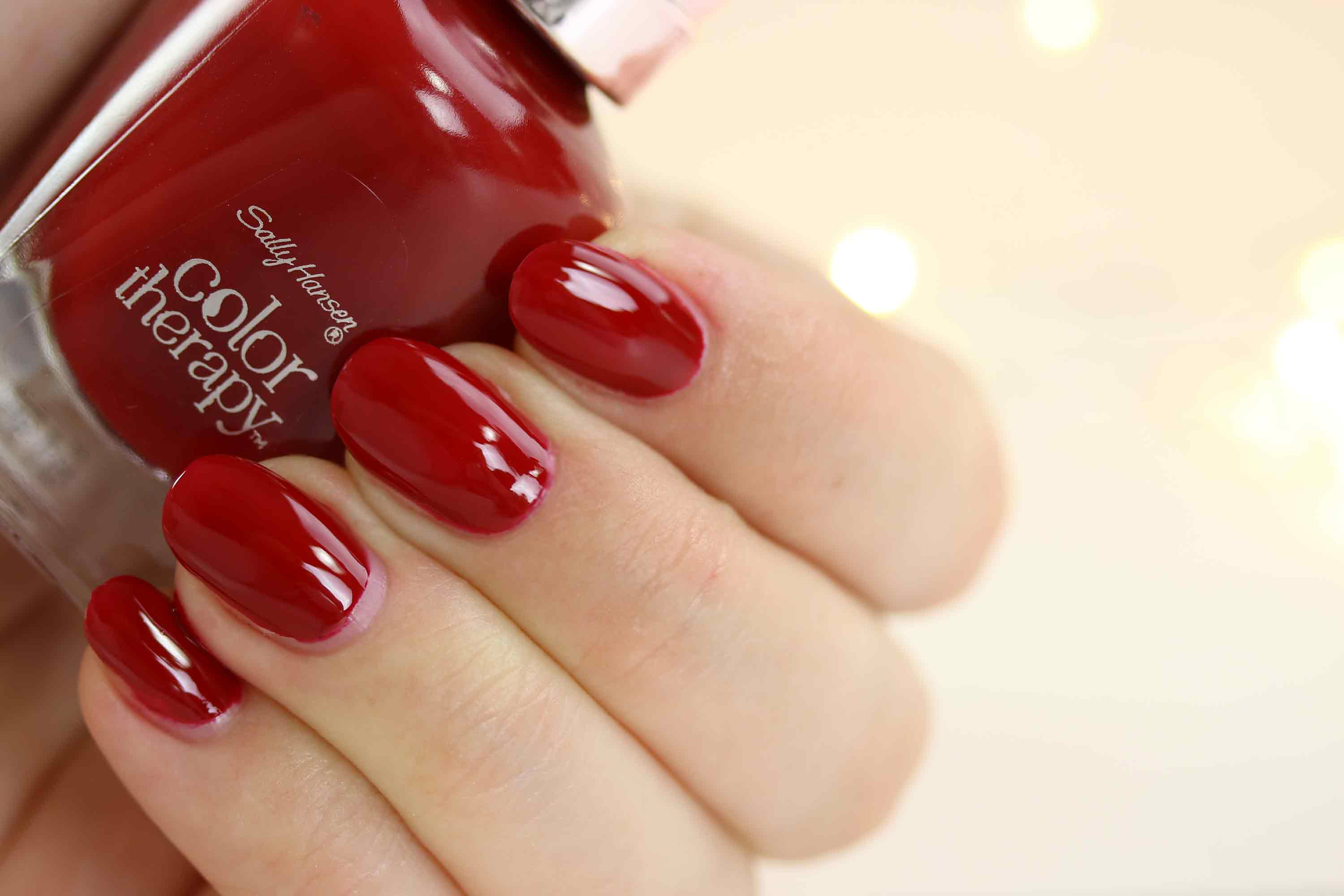 sally-hansen-color-therapy-360-red-y-to-glow
