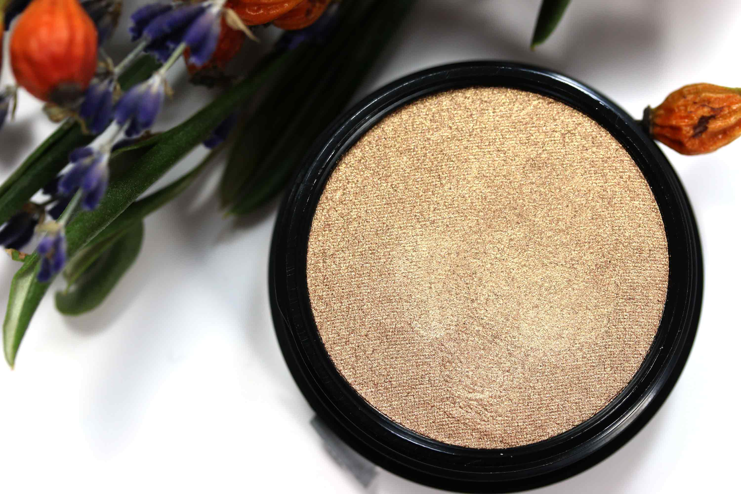 loreal-puder-highlighter-l-or