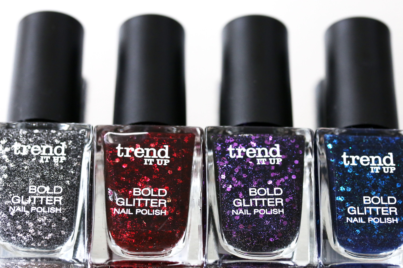 trend it up bold glitter nagellack tragebilder innenaussen. Black Bedroom Furniture Sets. Home Design Ideas