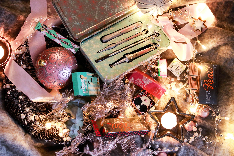 Benefit Weihnachtskalender.Benefit Adventskalender Innenaussen 2 Innenaussen