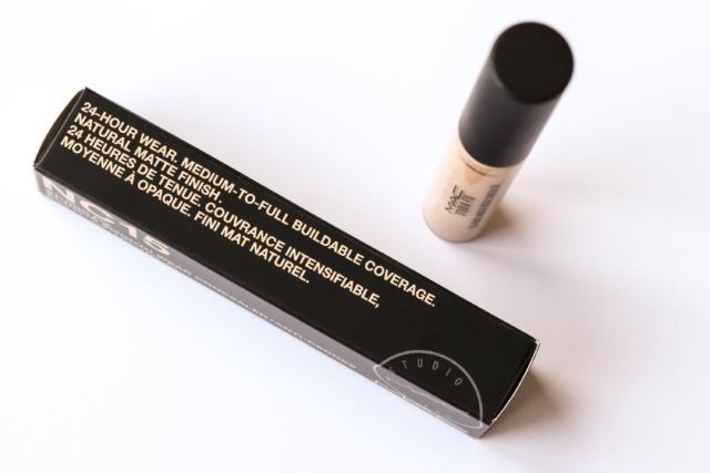 MAC Studio Fix 24h Smooth Wear Concealer
